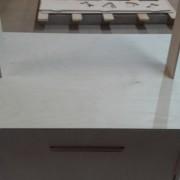 Ekspozytor-stolik-sklejka
