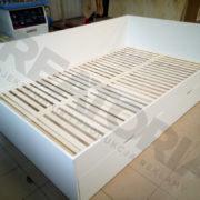 łóżko-200x120